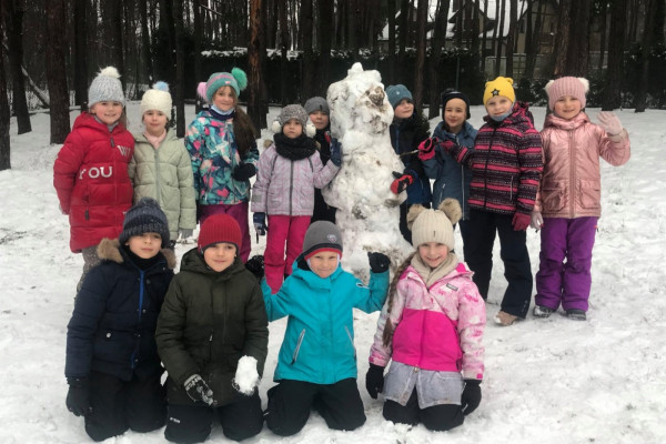 Zabawy na śniegu klasy 1B