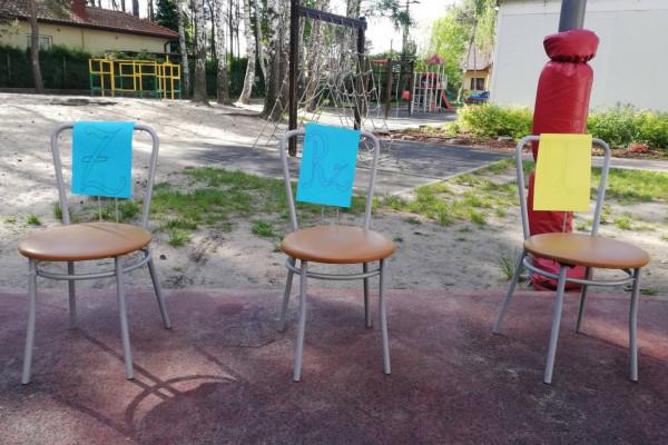 Ortograficzne krzesła